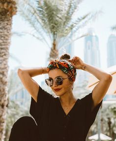 Lovely Pepa and others & # influencers & # They propose us 10 different ways of l . Gym Hairstyles, African Hairstyles, Headband Hairstyles, Curly Hair Headband, Hair Turban, Curly Crochet Hair Styles, Curly Hair Styles, Natural Hair Styles, Hair Scarf Styles