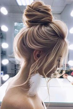 Simple Blonde High Buns See our collection of elegant prom hair upd. - Simple Blonde High Buns See our collection of elegant prom hair updos as this importan - Wedding Hairstyles For Long Hair, Formal Hairstyles, Braided Hairstyles, Cool Hairstyles, Hairstyles Haircuts, Headband Hairstyles, Drawn Hairstyles, Hairstyle Ideas, Evening Hairstyles
