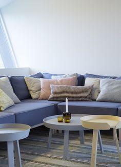 Multikomfort i visningshus, Larvik - Nyfelt og Strand Interiørarkitekter Outdoor Sectional, Sectional Sofa, Outdoor Furniture, Outdoor Decor, Home Decor, Homemade Home Decor, Modular Sofa, Corner Sofa, Decoration Home