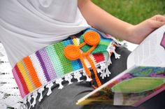 Cinto em crochet, feito à mão e com aplicação de renda