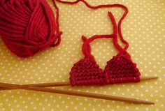 Check out our free knitting patterns for Valentine's Day. Make a stack of knitted heart coasters for everyone you love. Knitted Bunting, Knitted Heart Pattern, Dishcloth Knitting Patterns, Free Knitting, Knit Patterns, Sock Knitting, Super Chunky Yarn, Mollie Makes, Knitted Flowers