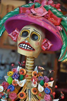 Beautiful handmade work of The day of The dead tradition. Mexico Day Of The Dead, Day Of The Dead Skull, Sugar Skull Art, Sugar Skulls, All Souls Day, Mexican Holiday, Holiday Day, All Saints Day, Mexican Folk Art