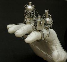 Ronit Baranga  http://3.bp.blogspot.com/_yDIcqc89GZA/TRcNxg_v0VI/AAAAAAAAsVU/4MEg5iecma0/s1600/amulet1.jpg