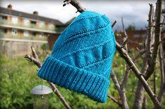 Slouchy Hat, Cool Hats, Mittens, Plugs, Knitted Hats, Knitting Patterns, Knit Crochet, Dan, Winter Hats