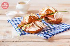 #Bayerischer #Burger, #Laugenburger, #Laugenbrötchen mit #Leberkäse
