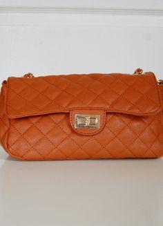 Kup mój przedmiot na #vintedpl http://www.vinted.pl/damskie-torby/torby-na-ramie/9689359-pikowana-brazowa-chanelka-z-lancuszkiem