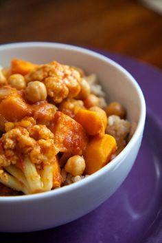Slow-cooker meals — all under 400 calories — from @POPSUGARFitness http://www.popsugar.com/fitness/Low-Calorie-Crockpot-Recipes-28437951?utm_campaign=share&utm_medium=d&utm_source=fitsugar via @POPSUGARFitness