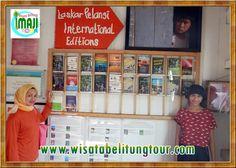 Paket Perjalanan Wisata Pulau Belitung bersama Imaji Tour - Bagi pecinta film Laskar Pelangi, atau orang yang pernah membaca novel yang populer itu, tentu juga tahu tentang Andrea Hirata yang menjadi penulis. Nah, di Gantung sendiri, Andrea Hirata telah membuat sebuah tempat agar dia bisa menyalurkan berbagai macam inspirasinya di Pulau Belitung.