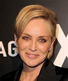 20 Classy And Trendy Celebrity Short Hairstyles, Celebrity hairstyles always give ideas about new trends. Therefore, here are some examples to chech. Ladies, looking for the popular and most trendy s. Short Curly Haircuts, Short Hairstyles For Women, Straight Hairstyles, Short Straight Hair, Short Hair With Layers, Celebrity Short Hair, Celebrity Hairstyles, Casual Hairstyles, Girl Hairstyles