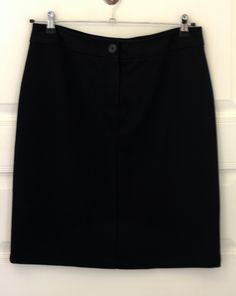 ISAAC MIZRAHI for TARGET black pencil skirt. Size US 12. In very good condition. Price - 300 CZK.