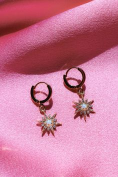 Check out our simple yet gorgeous gold plated star dust earrings. They feature small gold-toned hoops and star drops with an opal stone in the center Opal Earrings, Cute Earrings, Heart Earrings, Clip On Earrings, Minimalist Earrings, Minimalist Jewelry, Gold Chevron, Heart Shaped Diamond, Diamond Studs