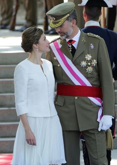Queens & Princesses - King Felipe and Queen Letizia attended the traditional parade organized for the Armed Forces Day in Madrid. A reception was then held at the Royal Palace