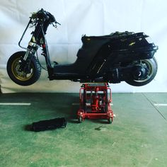 Dropped stretched with fatty 1986 Honda CH250 by Harry
