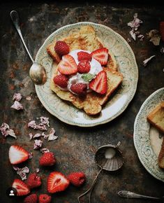 Hi friends! It's Monday, and we're pleased to announce our new winners. The first winner is for this photo which got most… Crumpets, How To Make Breakfast, Slow Living, Cinnamon Rolls, Food Styling, Food Photography, French Toast, Sweet Treats, Berries