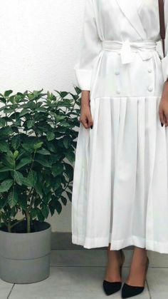 Abaya Fashion, Muslim Fashion, Modest Fashion, Fashion Dresses, Hijab Fashionista, Hijab Dress, Hijab Outfit, Modest Wear, Modest Dresses