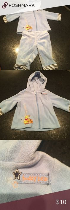 Winnie the Pooh Baby Hoodie and SweatPants Winnie the Pooh baby Hoodie and SweatPants. Brand: Disney Baby Size:0-3 Months Disney Baby Matching Sets