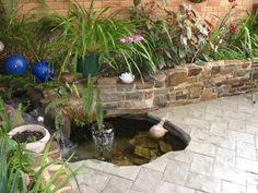 30 Awesome Home Garden Landscaping Ideas With Fish Pond Design Garden Pond Design, Modern Garden Design, Fish Pond Gardens, Small Gardens, Pond Landscaping, Ponds Backyard, Pond Decorations, Design Fonte, Garden Design Pictures