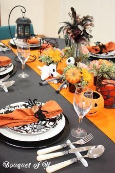 ハロウィンといえば、パーティー!お楽しみのイベントとして、街に繰り出すのはもちろん、お家でまったり仮装パーティーをする方も多いのではないでしょうか? 今回は、そんなパーティーにもぴったり♡なハロウィン仕様のテーブルコーディネイトを作るコツをご紹介します。