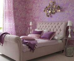 Decora la habitación con el color violeta 1