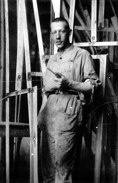 Vladimir Tatlin - Soviet painter and architect. With Kazimir Malevich he was one of the two most important figures in the Russian avant-garde art movement of the and later became an important artist in the Constructivist movement. He is most famou Cubist Artists, Modern Artists, Artist Bio, Artist At Work, Invention Of Photography, Russian Constructivism, Kazimir Malevich, Avantgarde, Russian Avant Garde