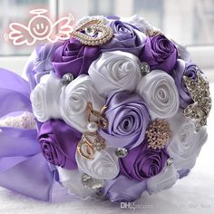 Gorgeous Bridal Wedding Bouquets Customized Crystal Pearl Beaded Brooch and Silk Roses Romantic Wedding Purple Bride 's Bouquet Rose flowers