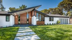 18 Spectacular Mid-Century Modern Exterior Designs That Will Bring You Back To T. - 18 Spectacular Mid-Century Modern Exterior Designs That Will Bring You Back To The - Design Exterior, House Paint Exterior, Exterior House Colors, Modern Exterior, Modern Entry, Facade Design, Door Design, Exterior Houses, Building Exterior