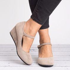 Pink Wedges, Shoes Heels Wedges, Wedge Heels, Wedge Pump, High Heels, Rockabilly Fashion, Punk Fashion, Fashion Boots, Lolita Fashion