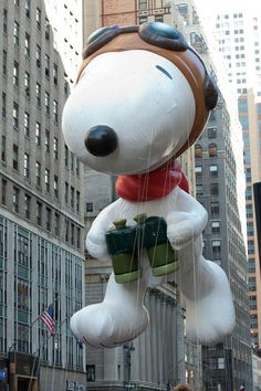 bucket list item: To see the Macy's parade and the Snoopy float!