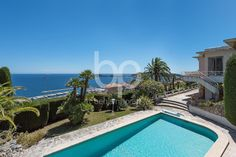 BEAULIEU SUR MER - Splendid villa to fully renovate on the heights of Beaulieu sur Mer and just minutes from downtown, the beaches and the port.
