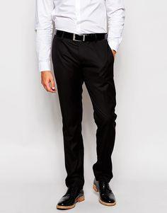 Anzughose von Antony Morato weicher Twill Reißverschluss mit Hakenverschluss seitliche Taschen und zwei Gesäßtaschen schmale Passform, sitzt eng am Körper Chemisch reinigen unser Model trägt 32 Zoll/ 81 cm Normalgröße und ist 185,5 cm/ 6 Fuß 1 Zoll groß