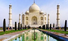 #ViajeDeNovios a #India: El Taj Mahal, un amor inmortal.  Dice la leyenda que poco antes de morir Mumtaz Mahal le pidió a su amado un deseo; tener un mausoleo que no tuviera parangón con ningún otro. Y eso fue precisamente a lo que se dedicó Shah Jahan el resto de su vida, a construir el monumento más bello del mundo en honor a su fallecida esposa.