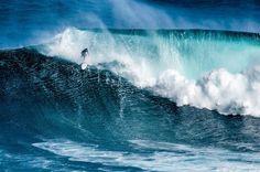 Las caídas forman parte de la vida. Levantarte... ella misma  #surf #surfer #surfing #maui #mar #sea #playa #beach #oceano #ocean #olas #waves #hawaii // Fot.: J. Chaplin
