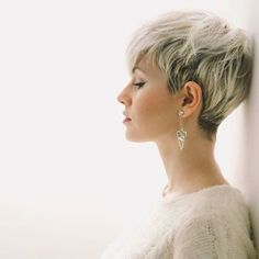 10 Latest Pixie Haircut Designs for Women – Super-stylish Makeovers Take a look at these trendy makeovers, showcasing the latest pixie haircut designs for women of all ages! I challenge anyone to browse through . Short Pixie Haircuts, Pixie Hairstyles, Short Hairstyles For Women, Hairstyles 2018, Undercut Hairstyles, Pixie Haircut Round Face, Fine Hair Pixie Cut, Fine Hair Haircuts, Pixie Haircut Styles