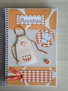 Caderno com capa dura decorada com técnicas de Scrapbook,  com 96 folhas pautadas, dividido em Doces e Salgados, para registrar suas receitas preferidas, tamanho  14x21 cm.  Com tag na capa para personalizar com nome.  Ótimo presente para Chá de Panelas. R$ 32,26