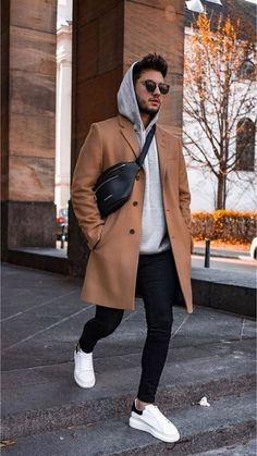 39 Inspiring Mens Street Style Outfit Ideas To Keep Style This Winter Street Style Outfits, Mode Outfits, Fashion Outfits, Trendy Fashion, Men Winter Fashion, Fashion Ideas, Latest Outfits, Dope Fashion, Fashion Men