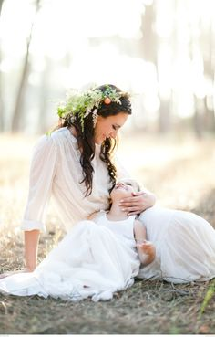 This mother and daughter styled shoot is simply gorgeous! Photographer: Claudia De Nobrega