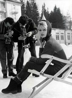 Brigitte Bardot at the Cortina d'Ampezzo resort, Italy, 1958 Vintage Ski, Vintage Winter, Vintage Travel, Vintage Posters, Bridget Bardot, Brigitte Bardot, 50s Glamour, Ski Bunnies, Slim Aarons