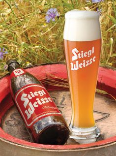 Stiegl Weisse Slovenian Food, Malt Beer, Austrian Recipes, Beers Of The World, Central And Eastern Europe, Cool Packaging, Brew Pub, Beer Labels, All Brands
