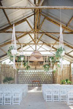 Tropical Ceremony Decor | Oh Happy Day/Luke Patterson/Roxanne Davison