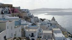Σαντορίνη (Santorini) en Σαντορίνη, Κυκλάδες. Ya en Fira empueza el toyr en Fira. Puedo decir hoy que estuve aqui tambien....Marzo 4,2016
