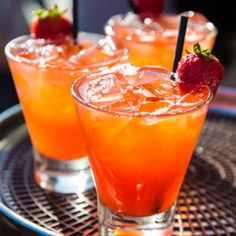 5 Must Try Summer Strawberry Cocktail Recipes