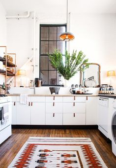 DIY Copper Kitchen Shelves Made with Parts from Home Depot — Kitchen Spotlight interior design design ideas Cocina Home Depot, Cuisine Home Depot, Home Depot Kitchen, Home Kitchens, Kitchen Decor, Kitchen Rug, Warm Kitchen, Eclectic Kitchen, Scandinavian Kitchen