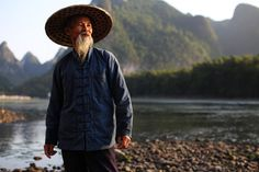 Old fisherman from Li river - China, Xingping
