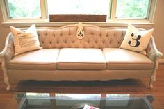 I'm obsessed with owning a settee just like this!