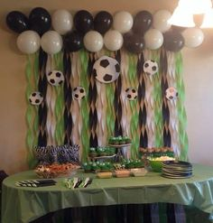 Inspiration for graduation 🎓 Soccer Birthday Parties, Sports Birthday, Soccer Party, Birthday Party Themes, 10th Birthday, Party Decoration, Birthday Decorations, Baby Shower Decorations, Soccer Baby Showers