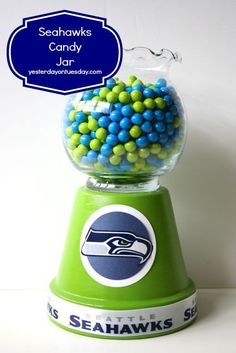 10 Seahawks DIY Projects: From scarves to party food, glasses, noisemakers, a candy jar and decor Flower Pot Crafts, Clay Pot Crafts, Flower Pots, Diy Crafts, Tree Crafts, Xmas Crafts, Fall Crafts, Candy Jars, Candy Dishes