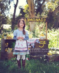 I love this lemonade stand as a prop for kids pics. My kids always want to put theirs up in front of the house, rain, sun or even snow! Photography Mini Sessions, Cute Photography, Summer Photography, Children Photography, Cute Kids Pics, Child Smile, Kid Poses, Photographing Kids, Autumn Inspiration