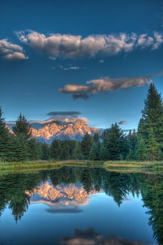 ✮ The Grand Tetons just as the morning sun begins to break