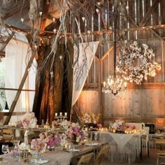 Inspiring decor tips and photos for your perfectly pretty barn wedding! (image source: intimate weddings)