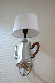 A small cafe? - The week of 4 thursdays Diy Luminaire, Lampe Retro, Kitchen Chandelier, Small Cafe, Light Project, Diy Pillows, Industrial Lighting, Diy Home Crafts, Lamp Design
